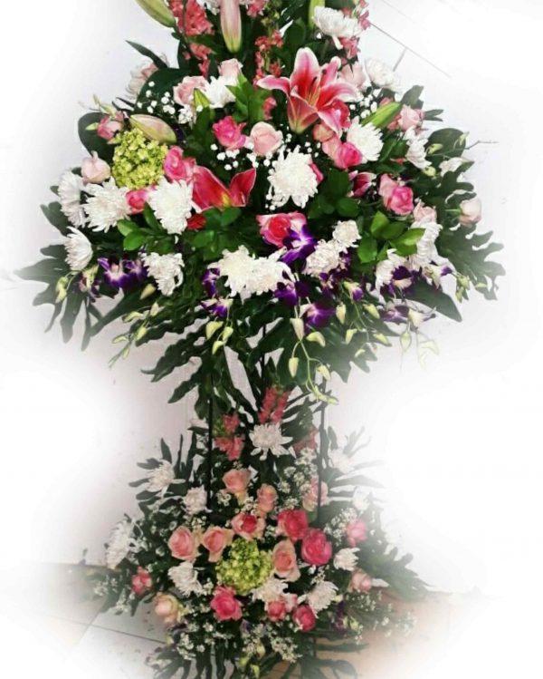 standing-flower-pernikahan-murah-full-bunga
