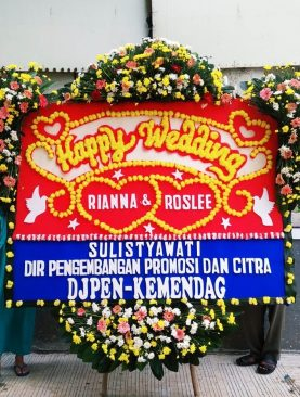 karangan bunga happy wedding dari DJPEN kemendag