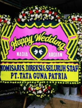 karangan bunga happy wedding dari pt.tata guna patria