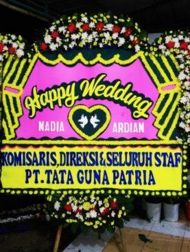 karangan bunga happy wedding dari pt.tata guna patria